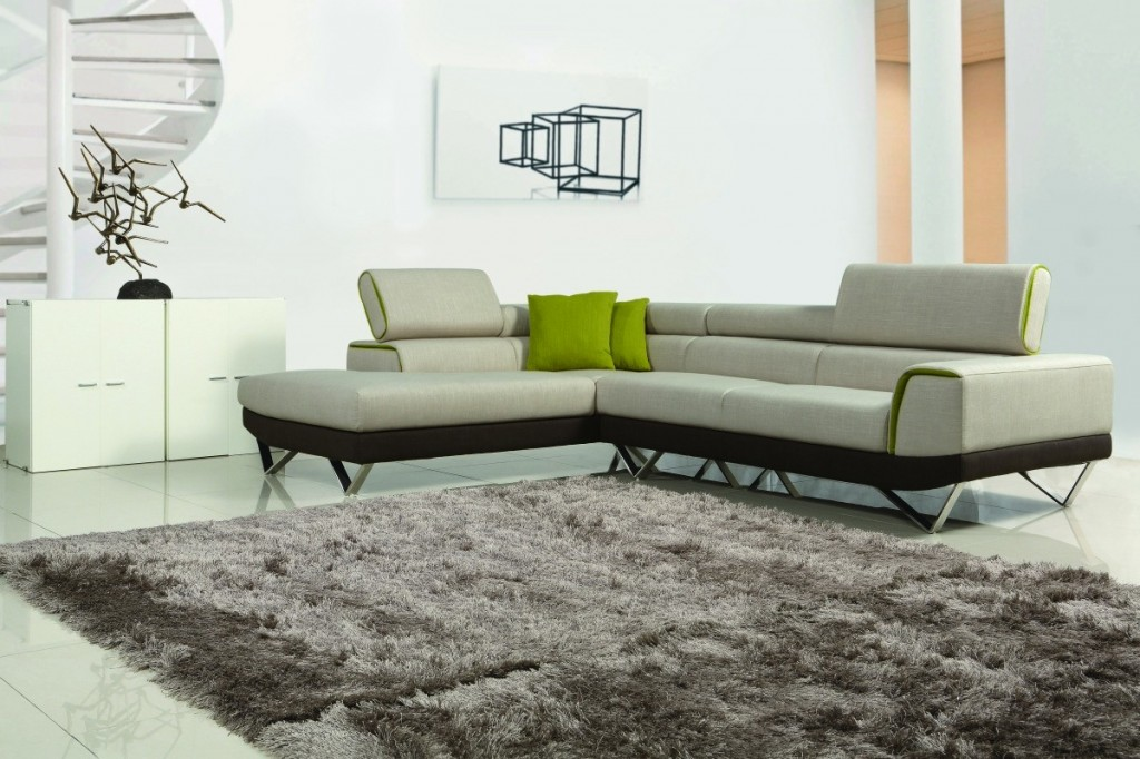 Choosing Between Leather and Fabric Modern Sofas - LA ...