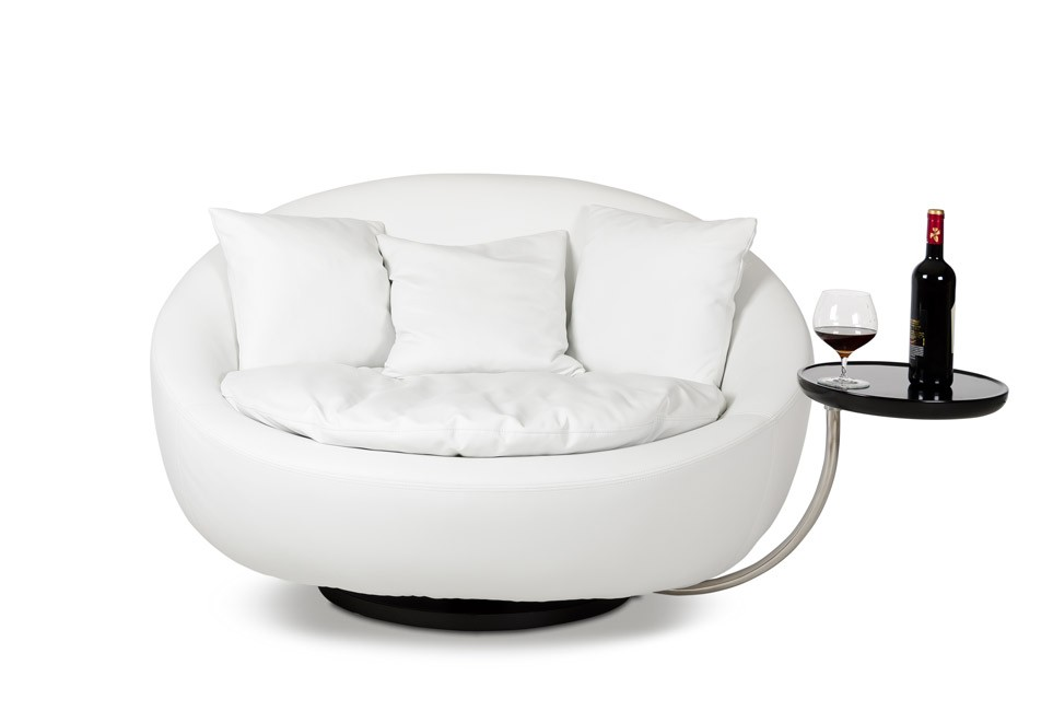 Mix Style And Comfort To Your Home Through Funky Lounge