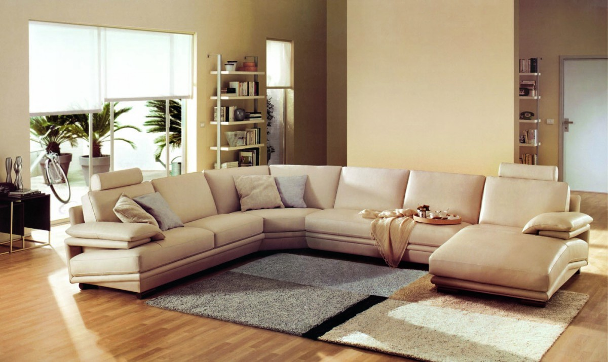 Sectional Sofa by LA Furniture