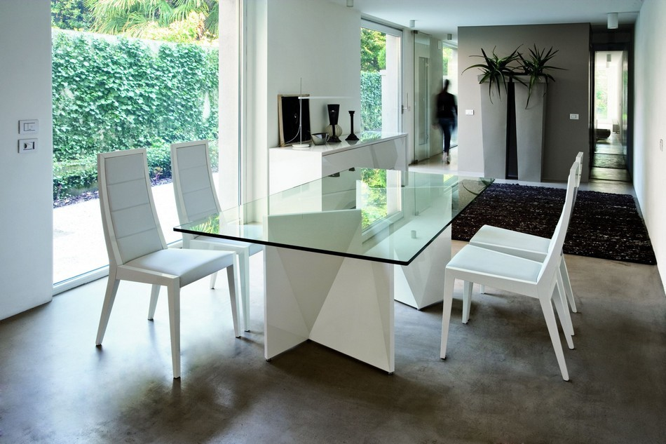 White Glass Table Top Set