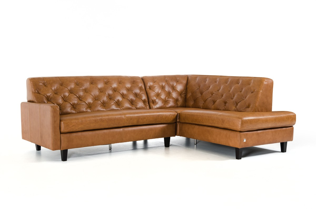 Choosing Between Leather Sofa And Fabric Sofa La