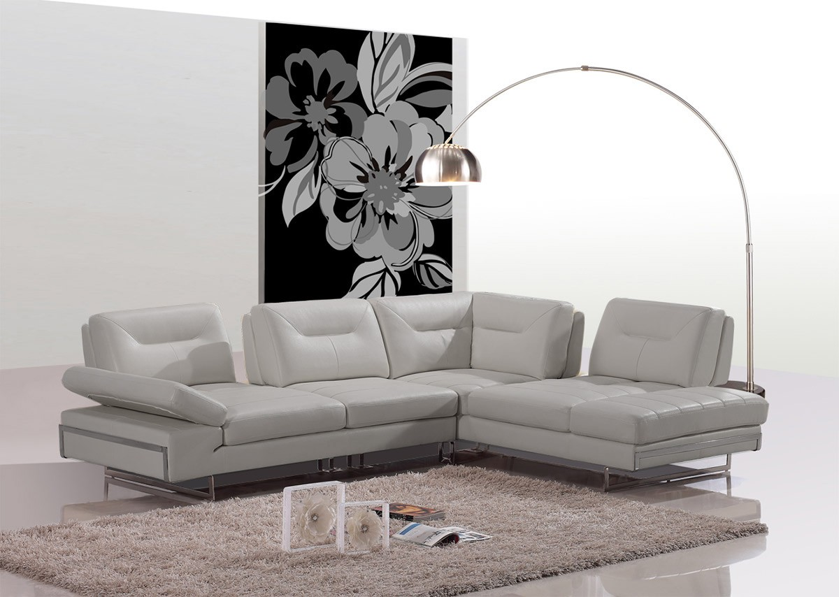 How to arrange modern furniture in living room with for La furniture