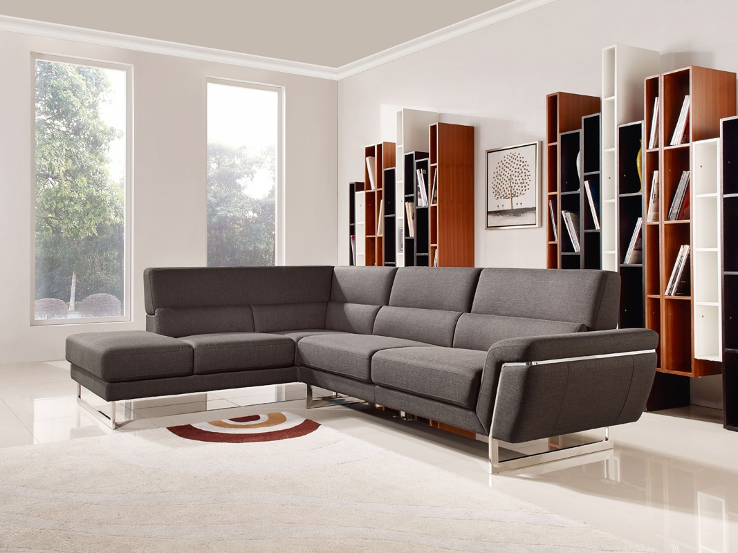 Modern Furniture Layout For The Bedroom And Living Rooms