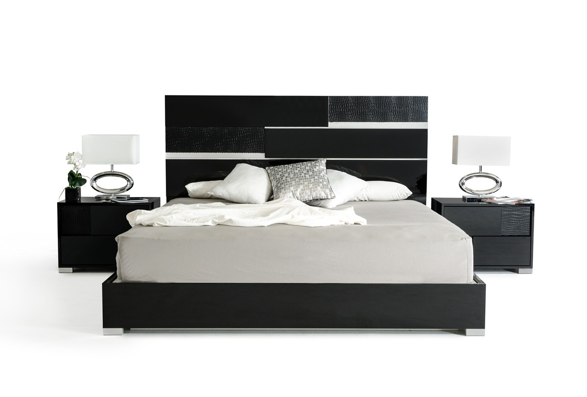 Different Bedroom Themes For A Black And White Bedroom La Furniture Blog