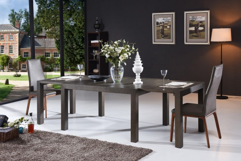 If You Want An Extendable Modern Dining Table The Best Time To Purchase A Is During Clearance And Seasonal Sales Can Find Room